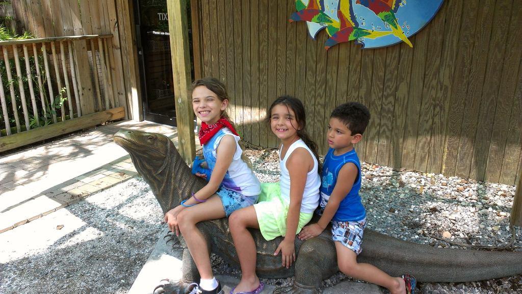 Photo of my three kids at Zoo Tampa.